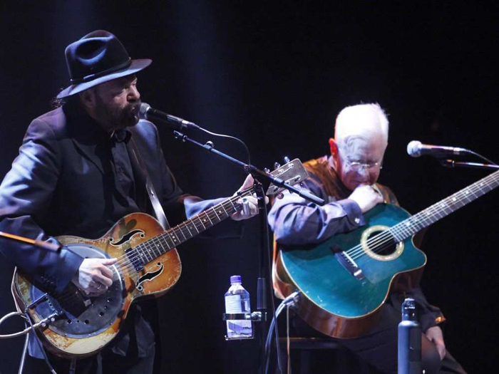 Colin Linden and Bruce Cockburn take part in the Juno Songwriters Circle - photo Patrick Doyle The Ottawa Citizen