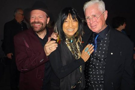 Bruce Cockburn presents Buffy Sainte-Marie with Alan Waters Humanitarian Award – JUNO 2017