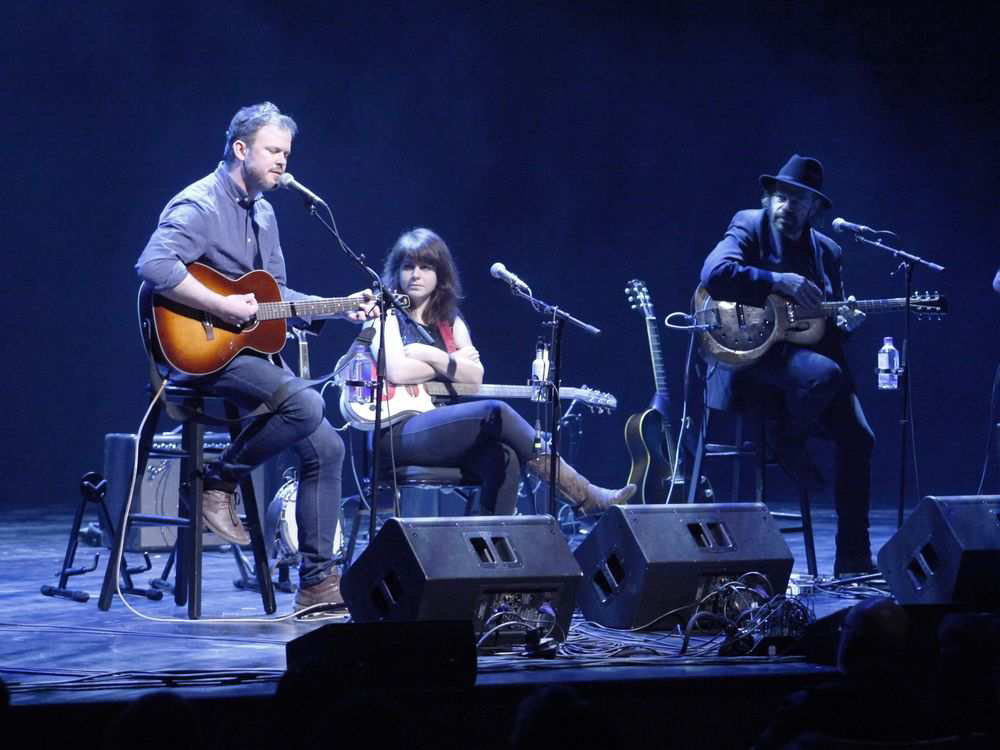 Paul Murphy - Lisa Leblanc - Colin Linden - Bruce Cockburn - Juno Songwriters Circle - photo Patrick Doyle The Ottawa Citizen